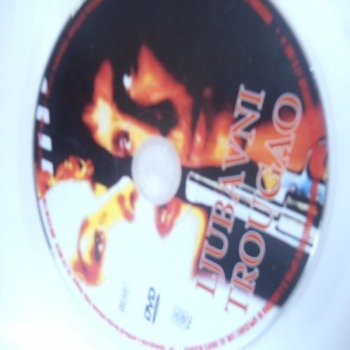 LJUBAVNI TROUGAO DVD199 (ASF)